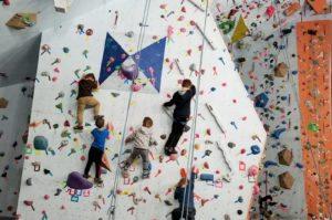 kids in winter sports climbing class